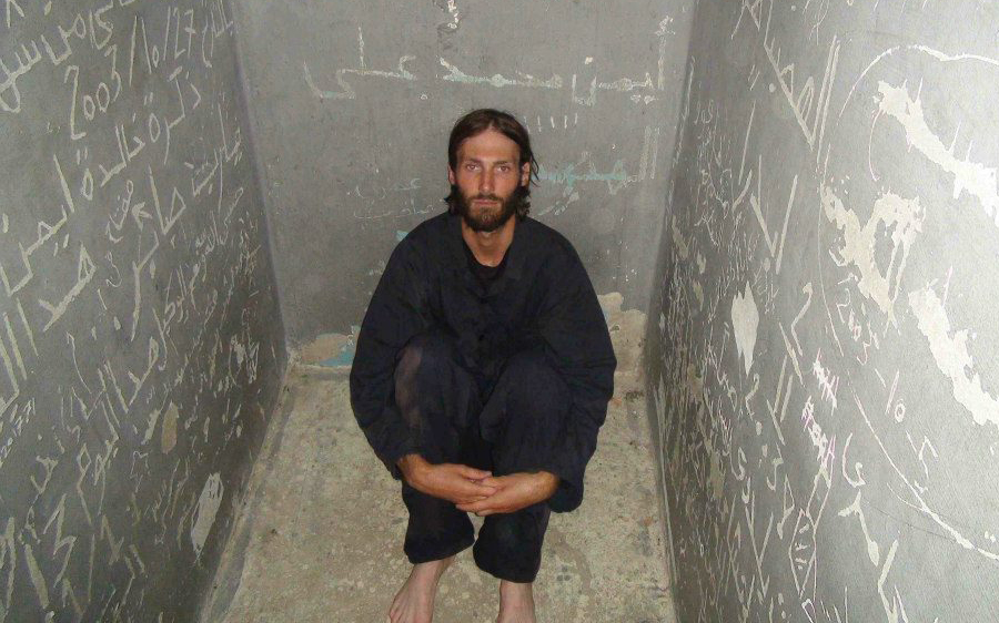 Matt VanDyke at Libyan prison cell